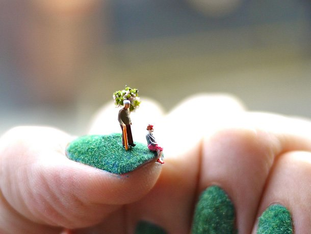 tiny-people-on-nails-photography-6