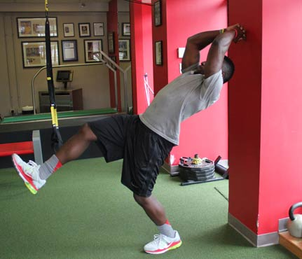 football-workout-wall abs