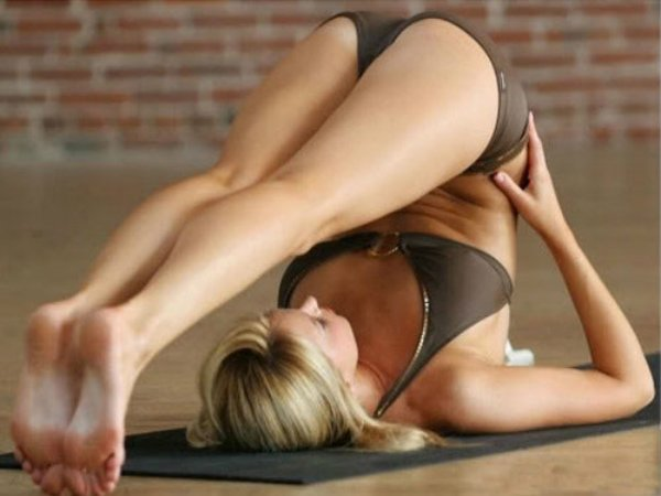 Hottest yoga poses that make you better in bed 3
