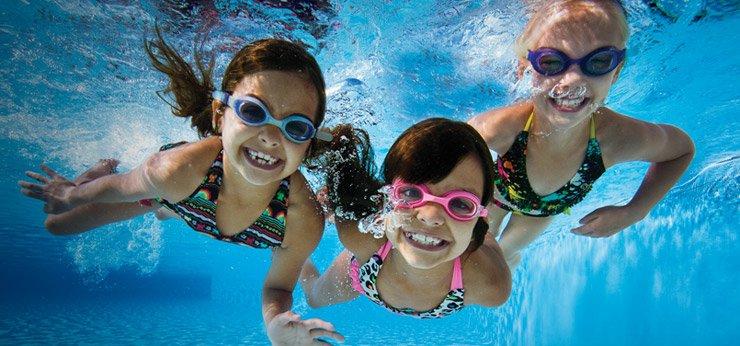 Outdoor sport Swimming
