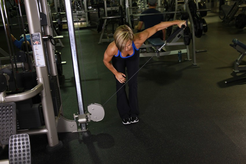 fitneAss | 2 Weeks Shoulder Workout To Define Your Muscles