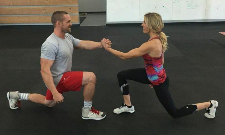 No-Weight Couple Workouts - Passion Lunges