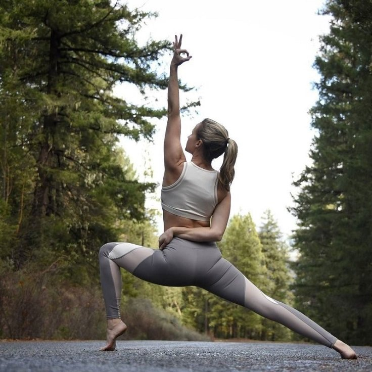 Ideal Yoga Gears - Choose a Flexible Fabric