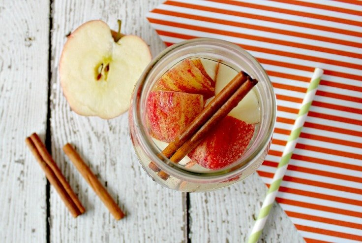 Detox Water Recipes - Apple and Cinnamon