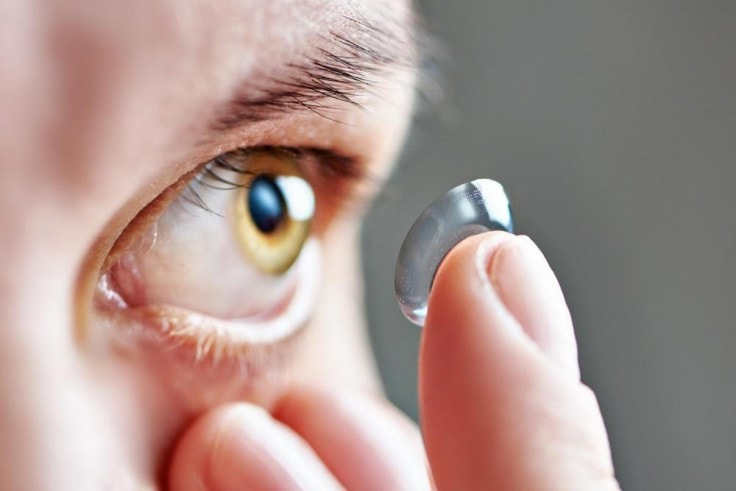 Lasik Eye Surgery Vs Contact Lenses