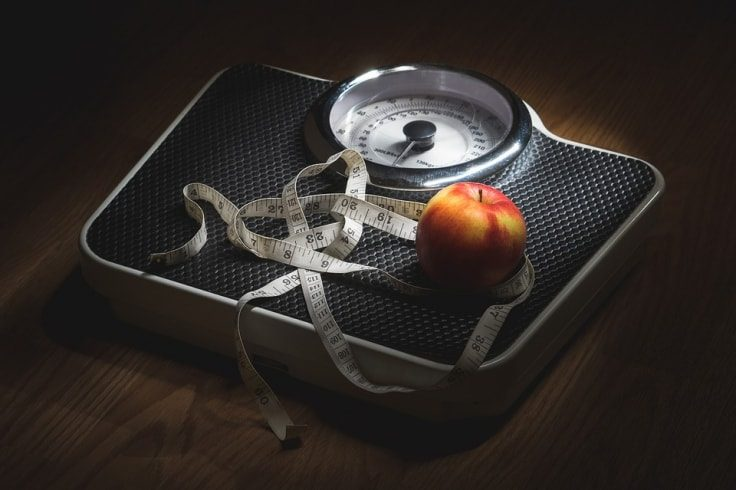 The Best Online Weight Loss Programs Promote Weighing