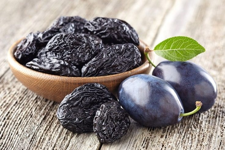 Home Remedies To Treat Constipation - Prunes