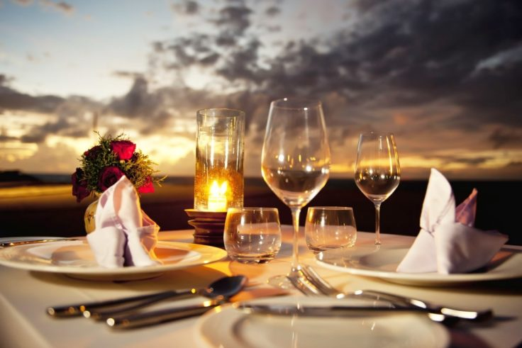 Romantic Dinner Ideas To Combine With White Wine