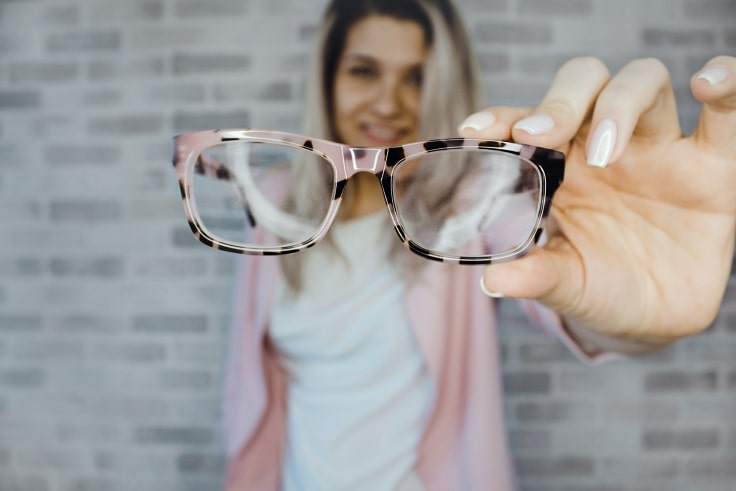 Understanding Light-Sensitive Eyeglasses